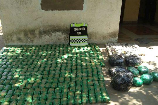 120 kg de hoja de coca ruta 50