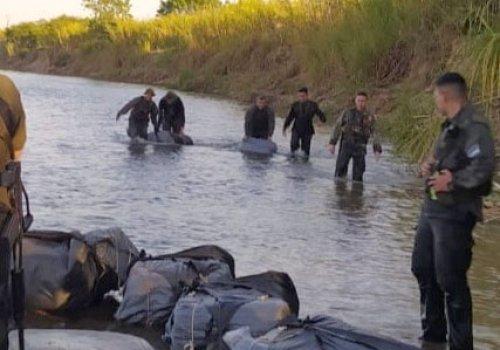 Incautan 267 kilos de hojas de coca a orillas del Río Bermejo