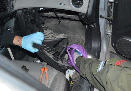Orán: 1 kilo de cocaína en la guantera de su vehículo