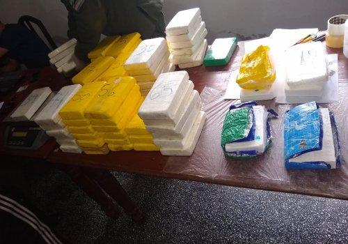 Orán 74 kilos de cocaína