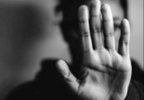 Oran: Deberá hacer tratamiento psicológico para tratar los celos