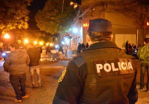 La policía clausuró 24 fiestas clandestinas la mayoría Orán y San Martín